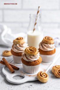 Zimt Cupcakes Mini Zimtschnecken Cupcakes Cinnamon Roll Cupcakes #zimt #cupcakes #zimtschnecken #cinnamonrolls #cinnamonrollcupcakes #cinnamon #herbstrezepte #backrezepte