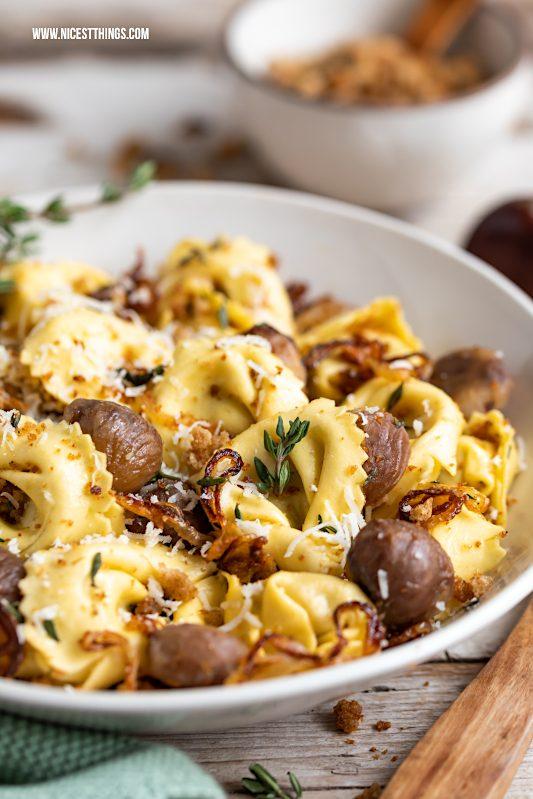 Tortelloni Funghi Porcini Steinpilz Pasta mit Maronen und Bröseln #tortelloni #giovannirana #steinpilze #pasta #maronen #steinpilzpasta #maronenpasta #pastarezepte #herbstrezepte #esskastanien #tortellini