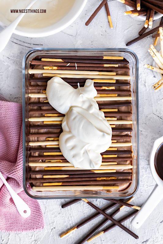 Mikado Dessert Mikado Tiramisu mit Nougat, Vanille und Haselnuss Krokant #mikado #dessert #tiramisu #nachtisch #deineartdeinstick #mikadolover #vanille #nougat #krokant #schnellerezepte