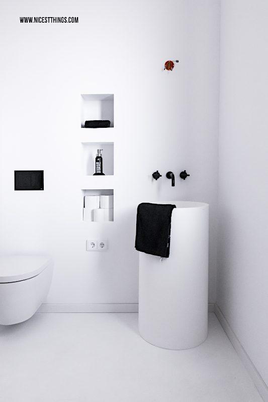Gästebad schwarz weiss Standwaschtisch Dornbracht Tara Armatur #badezimmer #bathroom #dornbracht #tara #interior #loft