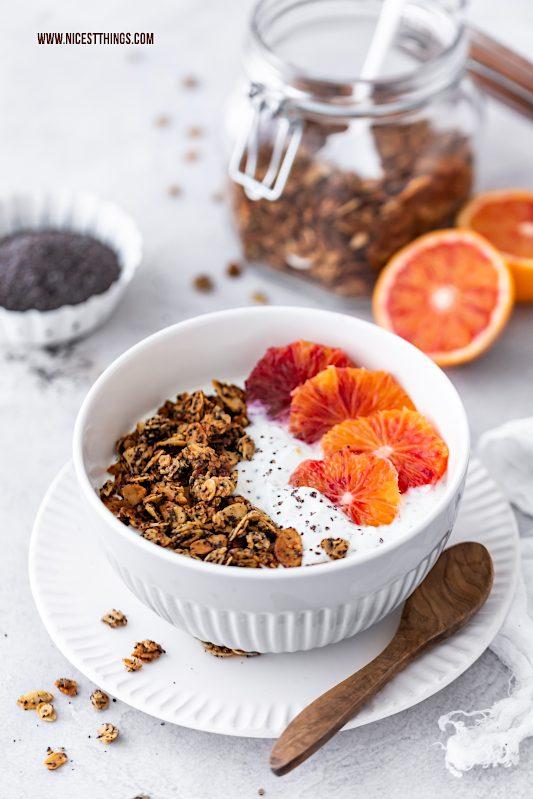 Veganes Granola vegan Rezept mit Mohn, Marzipan, Blutorange #vegan #granola #müsli #frühstück #veganerezepte #mohn #marzipan #blutorangen #breakfast #healthy