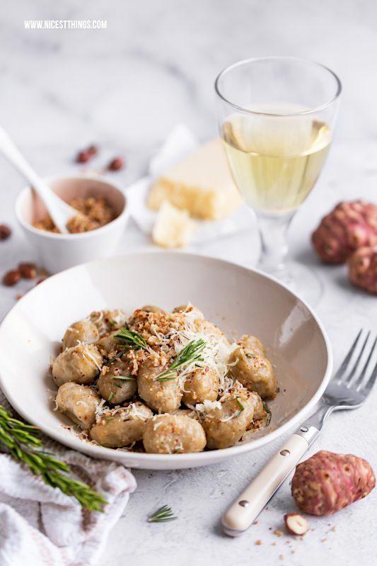 Topinambur Pasta Rezept Topinambur Gnocchi mit Haselnuss Bröseln #topinambur #winterrezepte #gnocchi #pasta #nudeln #haselnuss