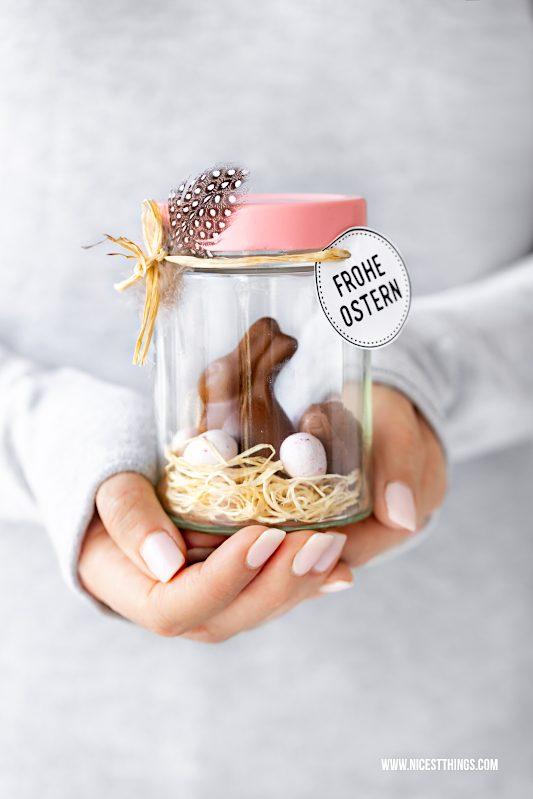 Osternest im Glas basteln Ostern DIY Marmeladenglas #osternest #ostern #upcycling #diy #marmeladenglas #basteln #ostergeschenk