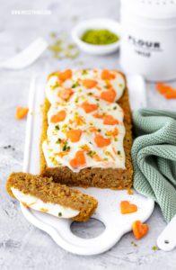 Kalorienarmer Karottenkuchen ohne Mehl, gesund, Clean Eating, Rüblikuchen Rezept #karottenkuchen #carrotcake #ohnemehl #karotten #kuchen #rüblikuchen #cleaneating #glutenfrei #kalorienarm #abnehmen