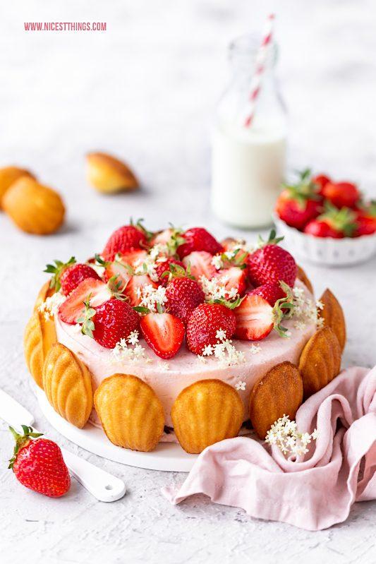 Charlotte mit Madeleines, Erdbeeren und Holunderblüten Rezept #charlotte #madeleines #erdbeeren #holunderblüten #erdbeercharlotte #erdbeertorte #erdbeerkuchen #erdbeerrezepte