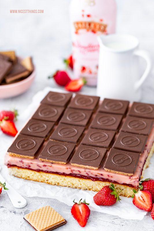 Schneewittchen Kuchen Schneewittchen Schnitten Schneewittchenkuchen Rezept Erdbeeren Bahlsen Ohne Gleichen Baileys Strawberries & Cream #unseremomente #bahlsenmeetsbaileys #schneewittchenkuchen #schneewittchenschnitten #erdbeerschnitten #erdbeerkuchen #bahlsen #ohnegleichen