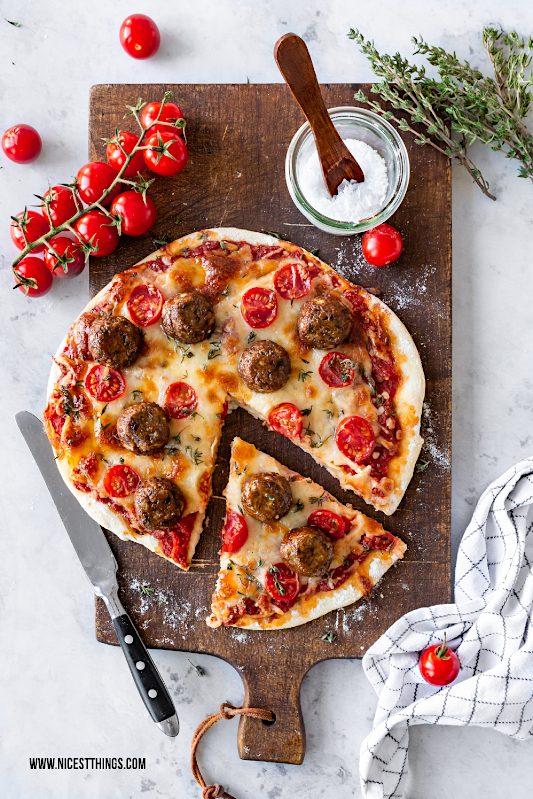 Meatball Pizza Hackbällchen Pizza vegetarische Hackbällchen vegane Hackbällchen #meatballpizza #meatball #pizza #hackbaellchen #vegetarisch #vegan #finello #aberbittemitkäse