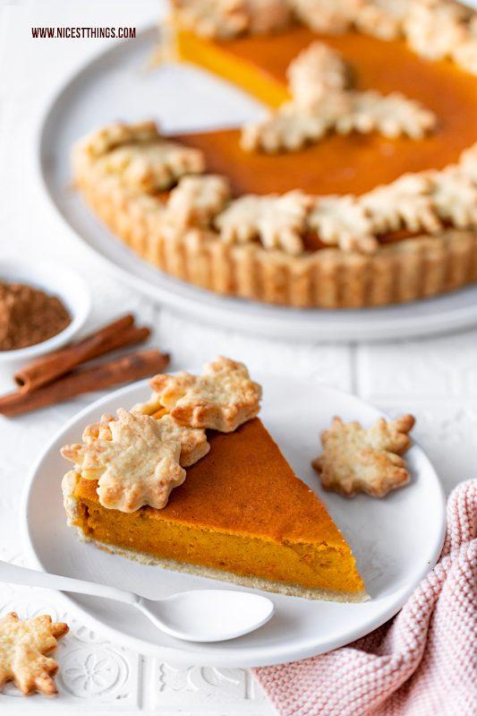 Pumpkin Pie Rezept mit Bourbon schnell und einfach Kürbis Pie Kürbisrezepte #pumpkinpie #pumpkin #kürbis #kürbisrezepte #herbstrezepte #bourbon #pie #piecrust #autumn