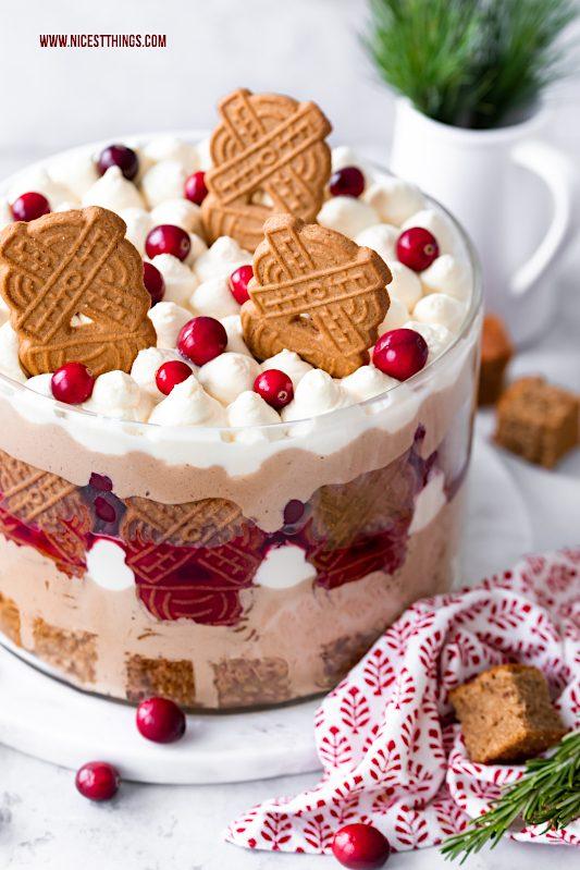 Spekulatius-Trifle Rezept Weihnachts-Trifle Zimtkirschen Karamell Mascarpone Weihnachtsdessert Weihnachtsmenu Weihnachtsrezepte #spekulatius #trifle #dessert #weihnachten #weihnachtsdessert #weihnachtsrezept #galbani #galbanimascarpone #galbanimascarponechallenge #galbanigenuss #italien #italienschelebensfreude #weihnachtlichesdessert