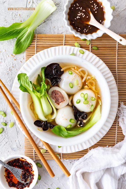 Tang Yuan Rezept vegan herzhaft Glutinous Rice Balls chinesische Reisbällchen Suppe #tangyuan #glutinousriceballs #vegan #herzhaft #rezept #asiatisch #chinesisch #LeeKumKeeCNY #reisbaellchen #suppe #veganerezepte #veganesuppen