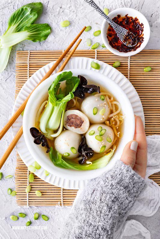 Tang Yuan vegan Rezept herzhaft Glutinous Rice Balls chinesische Reisbällchen Suppe #tangyuan #glutinousriceballs #vegan #herzhaft #rezept #asiatisch #chinesisch #LeeKumKeeCNY #reisbaellchen #suppe #veganerezepte #veganesuppen