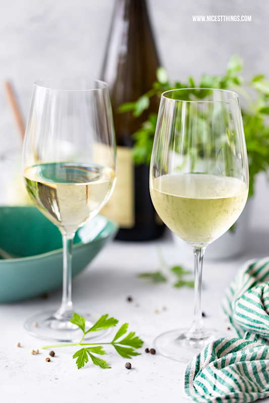 Südtiroler Wein DOC #QualitaetEuropa #EnjoyItsFromEurope #AltoAdigeWines #tastesouthtyrol #Apple #Cheese #Speck #Wine #Southtyrol #Suedtirol #AltoAdige #SuedtirolWein